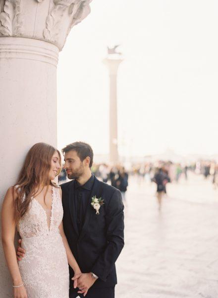 Elopement-bruiloft-in-Venetië_Modern-Romance_09