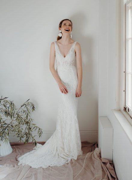 Modern Romance_Daisy Brides_Rosie 01